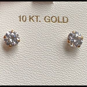 10kt gold cubic zirconia earrings